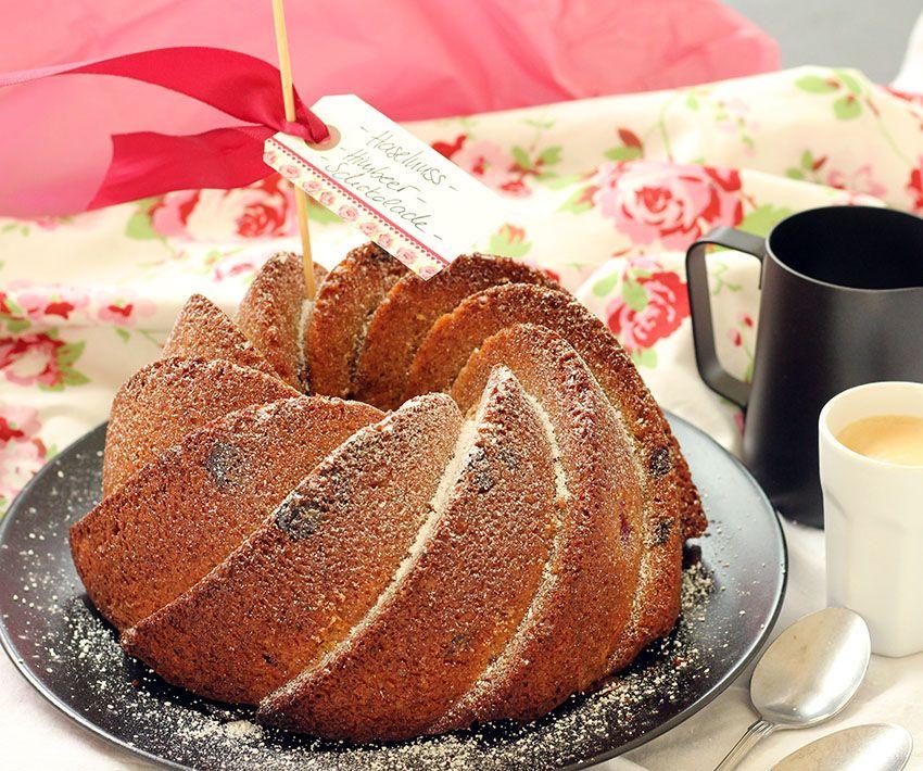 Nusskuchen mit Schokolade und Himbeeren Fräulein Sommerfeld - leichte und schnelle küche