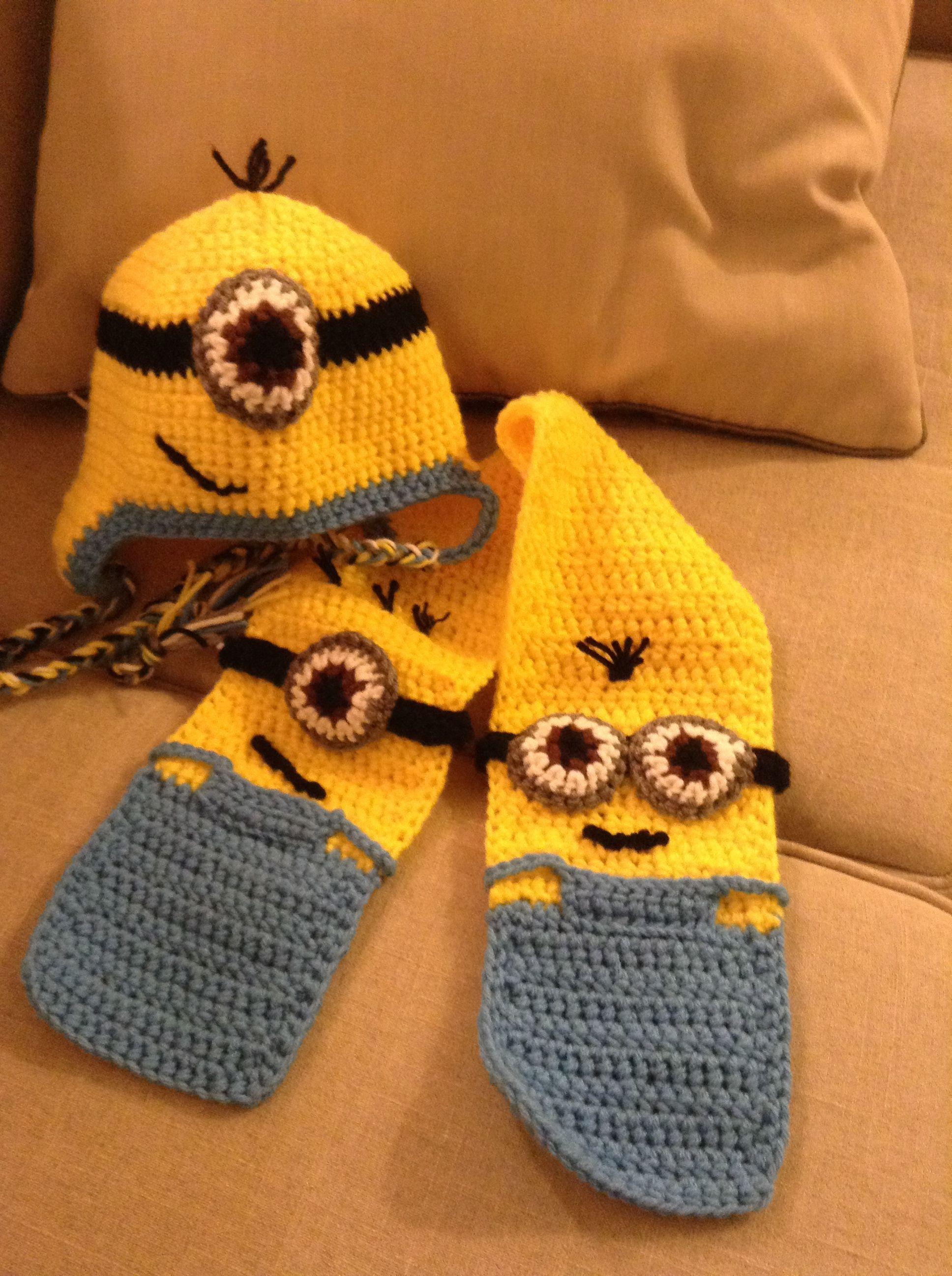 Crochet minion hat & scarf. Modified my ear flap hat pattern ...