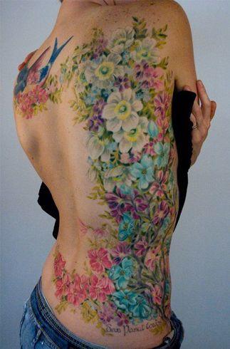 b6c7657fec0f5 #FloralTattoo #watercolortattoos Side Piece Tattoos, Pieces Tattoo, Side  Back Tattoos, Half