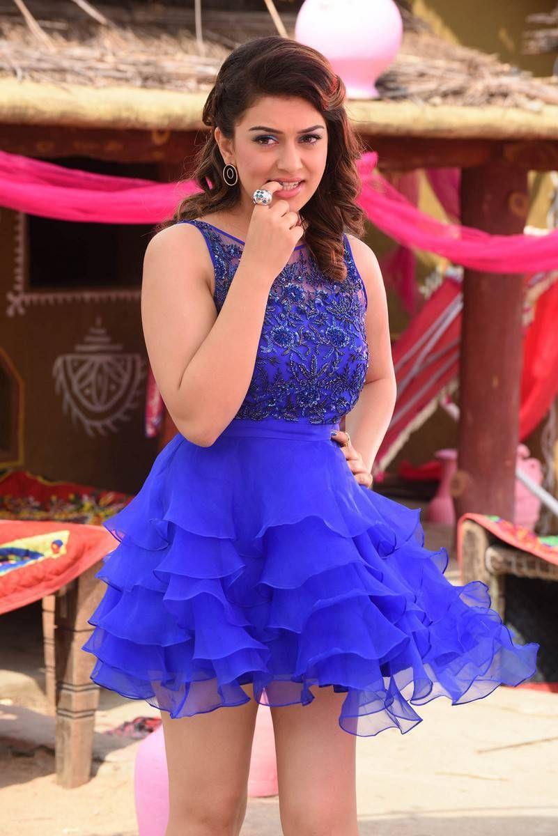 stills from pokkiri raja tamil movie starring jiiva, hansika