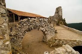 Image Result For Elizabeth Bathory Castle Elizabeth Bathory Bathory Castle