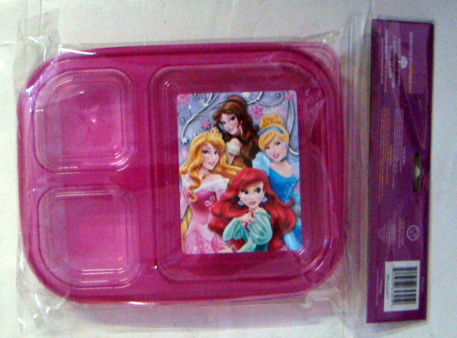 Amazon.com Disney Princess 3 Sectional Lunch Kit - 1 Container and Lid : sectional lunch boxes - Sectionals, Sofas & Couches