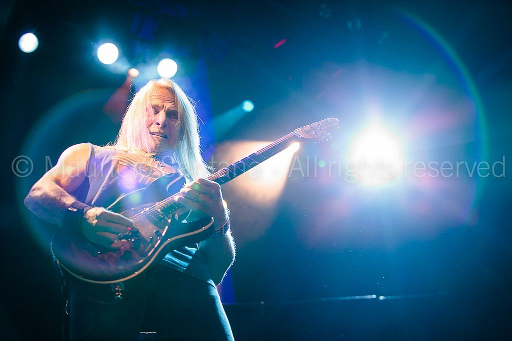 https://flic.kr/p/vCW3RP | Brazil - Music - Deep Purple | The guitarrist Steve Morse of the band Deep Purple performs live on stage. ***EXCLUSIVE PHOTO, PLEASE DO NOT REPRODUCE, ALL RIGHTS RESERVED***