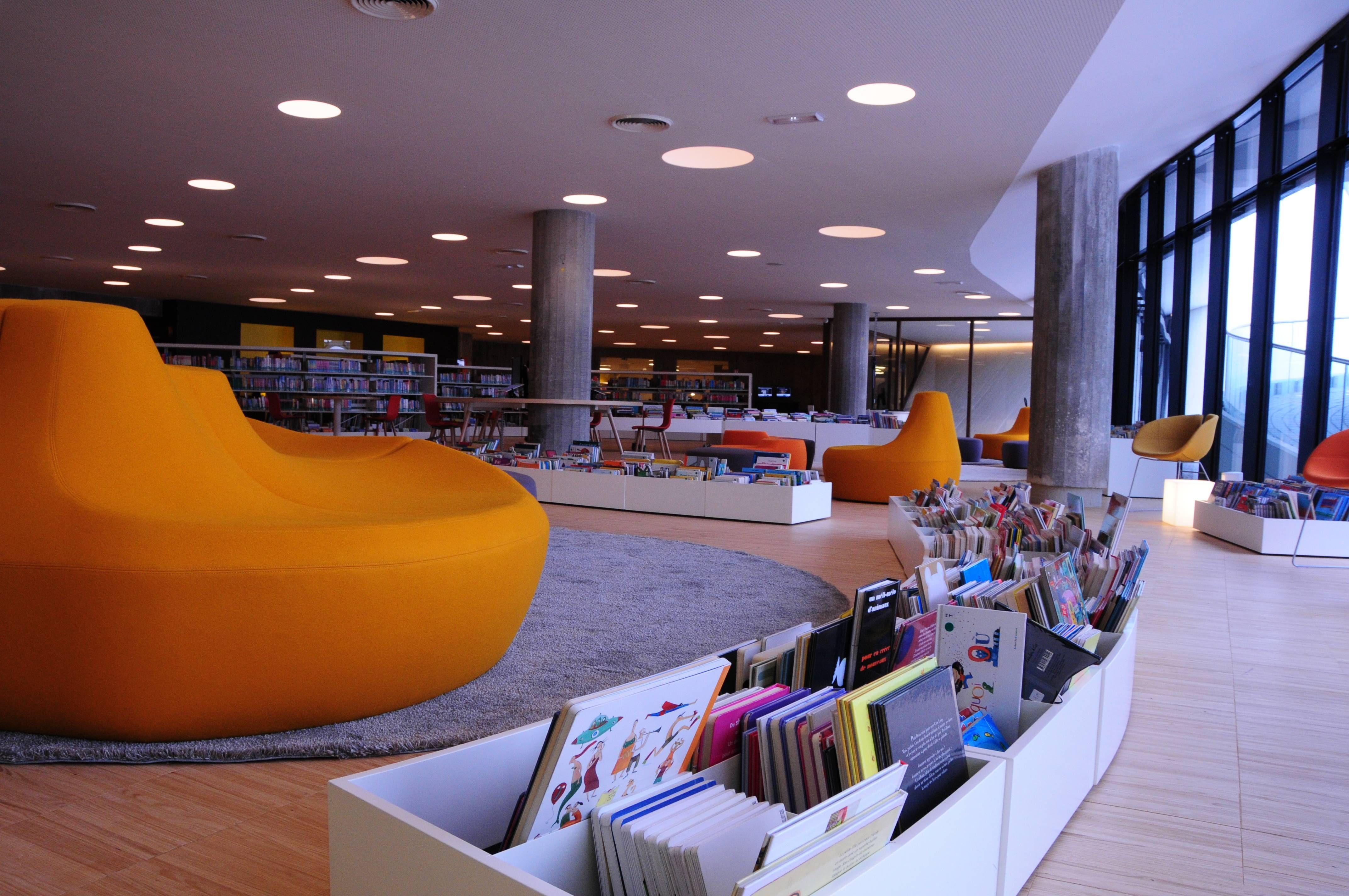 biblioth que oscar niemeyer le volcan le havre r hab deshouli res biblioth ques. Black Bedroom Furniture Sets. Home Design Ideas