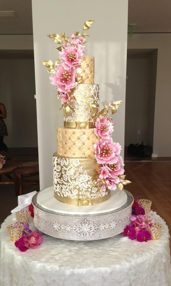 Modern Gold And Pink Glam Pink And Gold Wedding Rose Gold Cake Beautiful Wedding Cakes