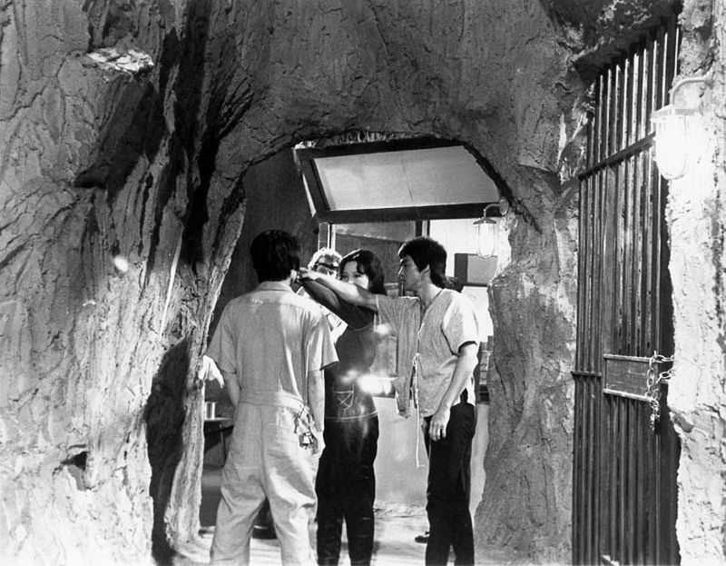 Bruce on set of Enter the Dragon