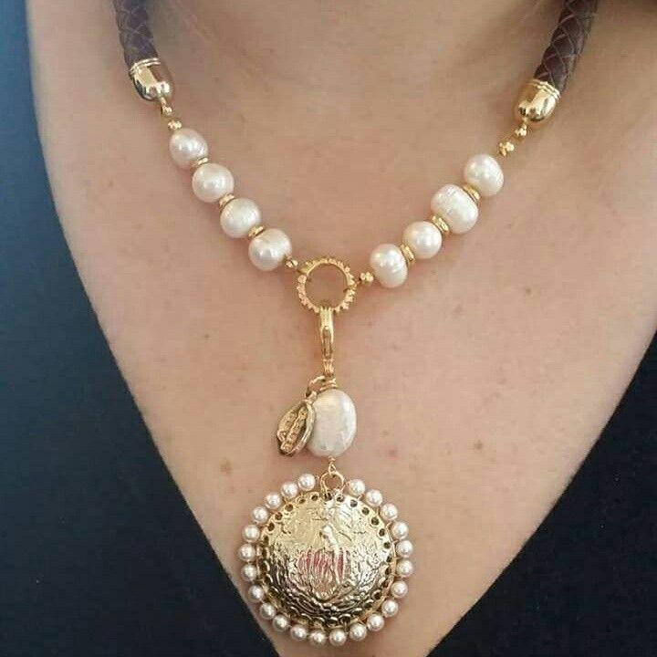 757d803bd9cf  collar  perla  piel  chapadeoro  virgen  lupita  diseño   hechoamano   goldplated  modelo  anabassó  necklace  joyería  bijou  accesorio  outfit   femenino ...
