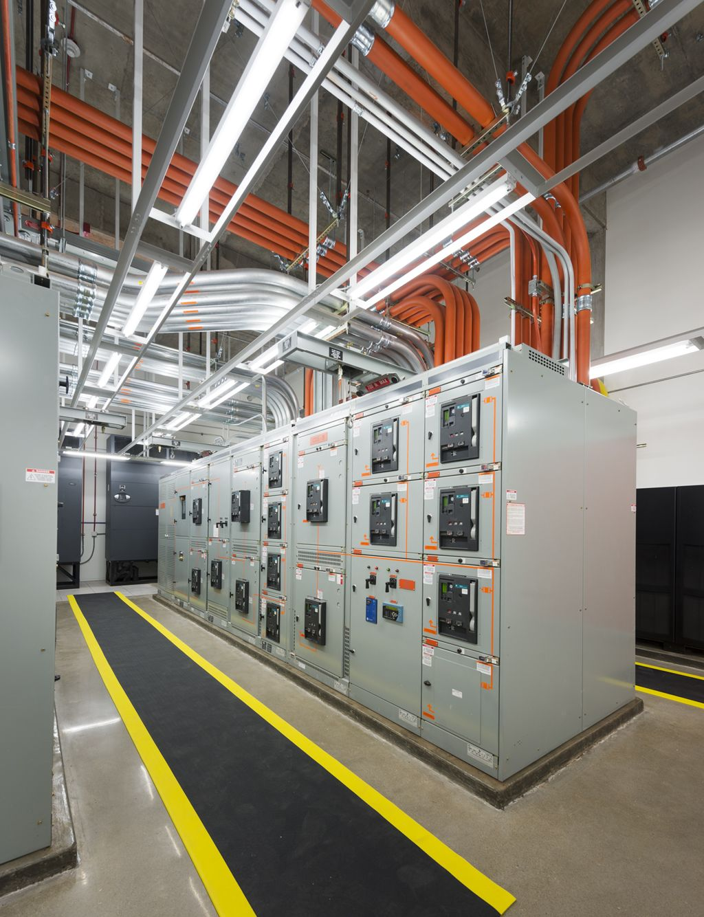c5138b04dbe2754728225d48cd09bdcb strata space data center google search data center in 2018