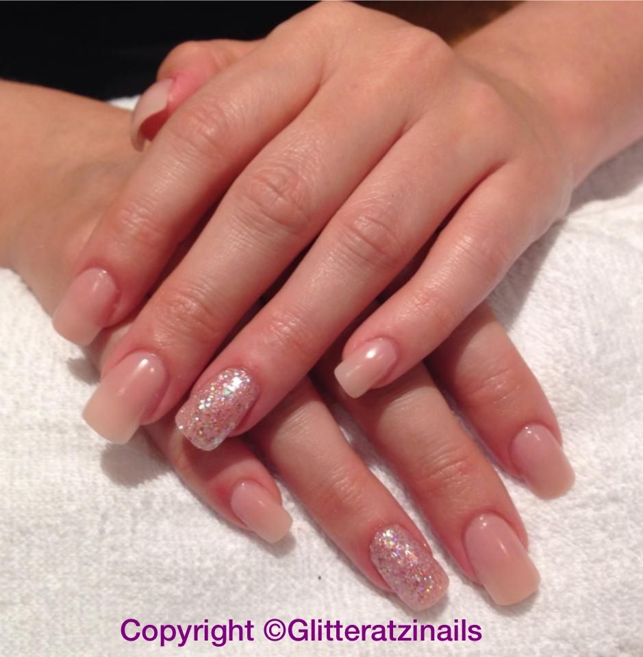 Natural acrylics with pixi dust & diamond love ring finger | Uñas ...