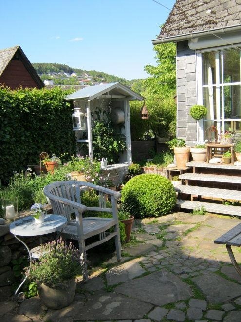 terrasse zur k che garten pinterest garten tomaten haus und garten deko. Black Bedroom Furniture Sets. Home Design Ideas