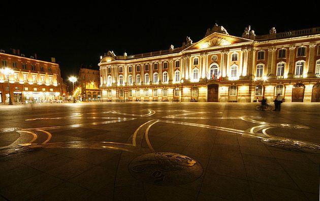 Place Du Capitole Toulouse With Images Toulouse Toulouse