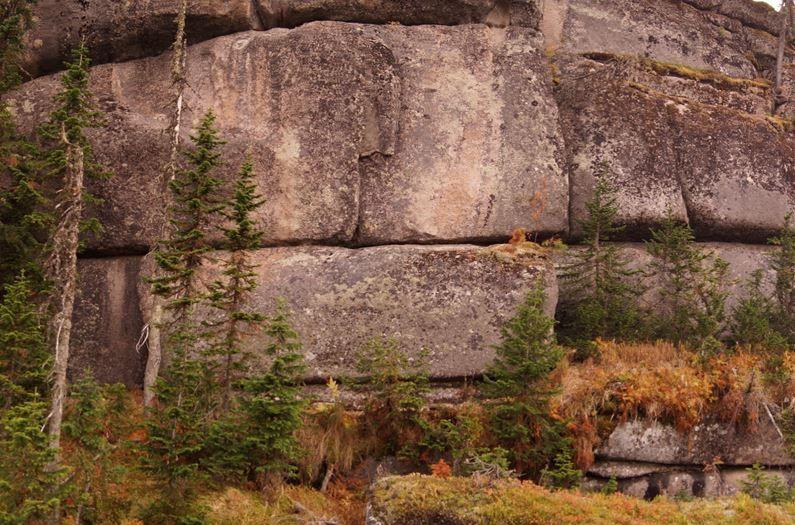 I megaliti giganti della Siberia