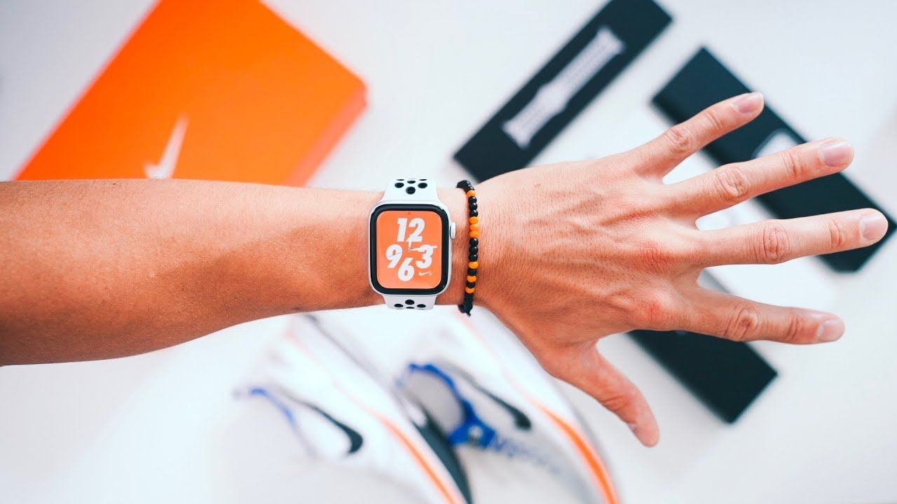 Lidiar con Consultar Papúa Nueva Guinea  Apple Watch 4 Nike REVIEW - Does this thing get you in shape? | Apple watch,  New apple watch, New ipad pro
