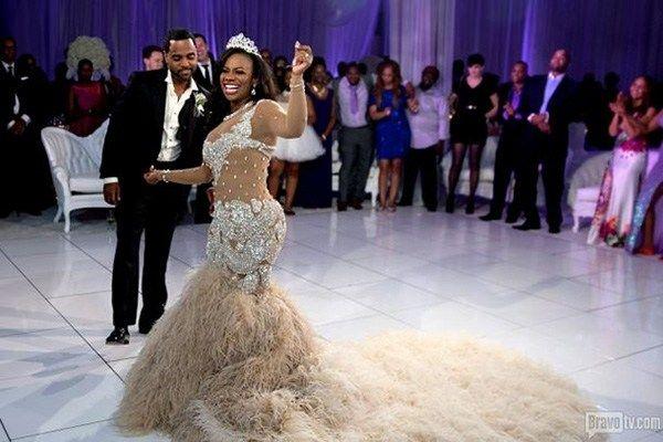 Kandi Burruss Todd Tucker Wedding Photos Dress Jpg 600 400