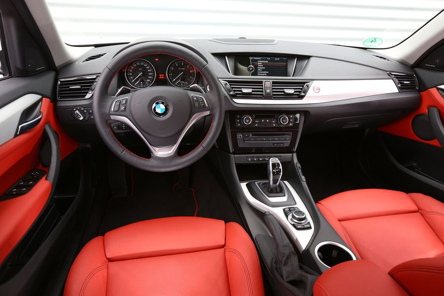 Bmw X1 Interior Bmw Volvo V40 Dream Cars