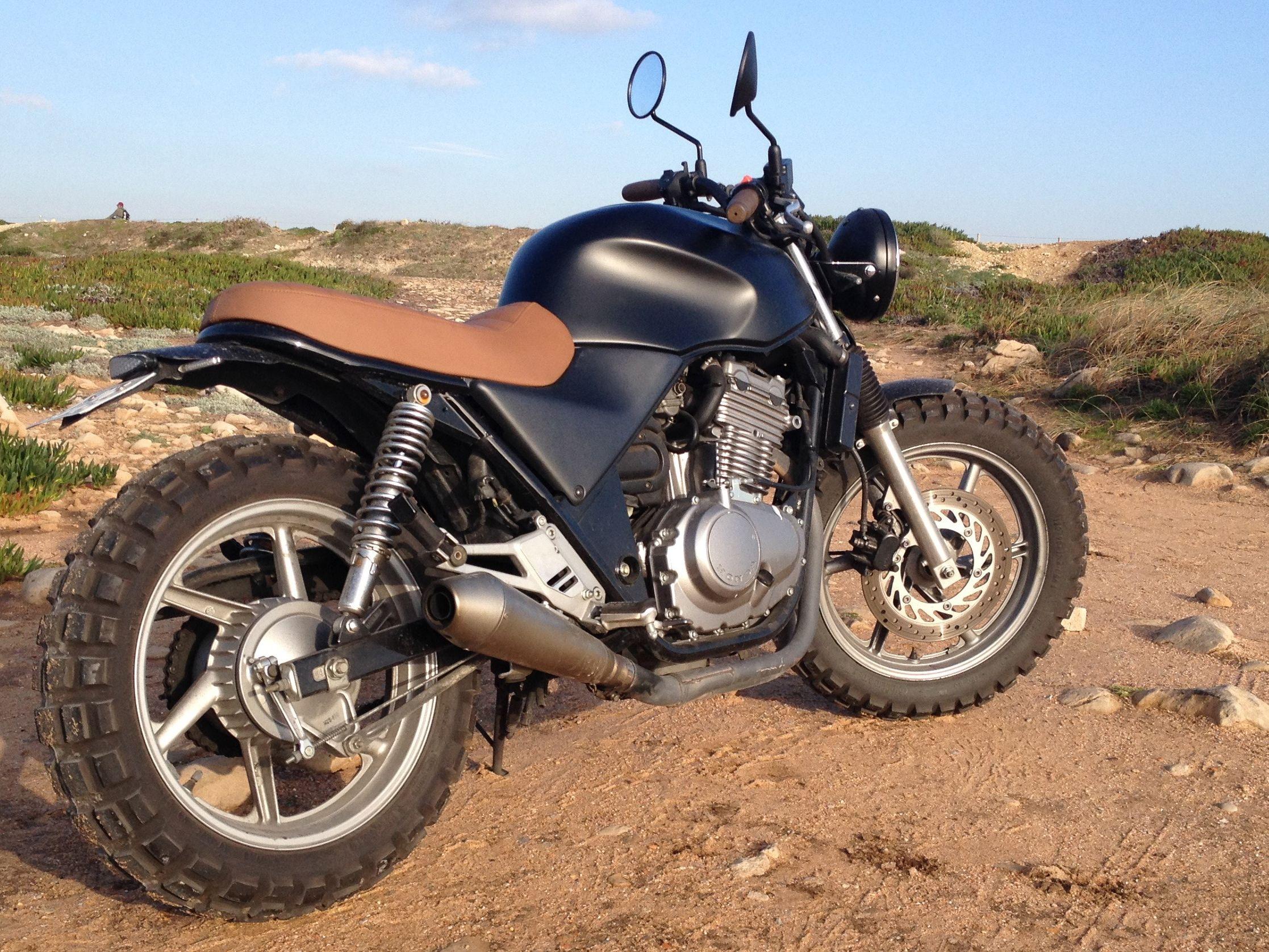 cb 500 scrambler motocikli motos motocicletas motos. Black Bedroom Furniture Sets. Home Design Ideas