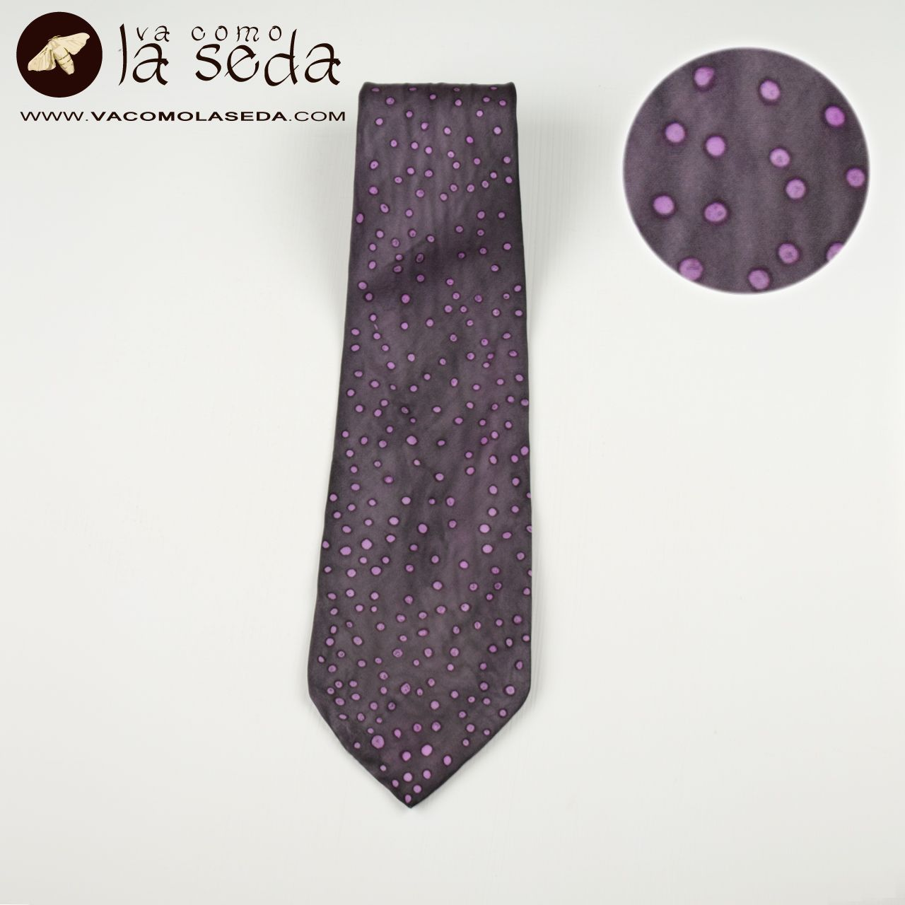 Hand painted silk tie.One of a kind. Corbata de seda pintada a mano.