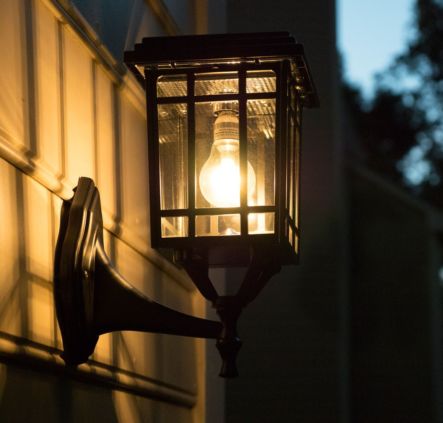 The Prairie Bulb Solar Lamp Is The Perfect Outdoor Lighting Accessory That Will Complement Any Setting No Wiri Solar Lamp Outdoor Solar Lamps Solar Led Lights