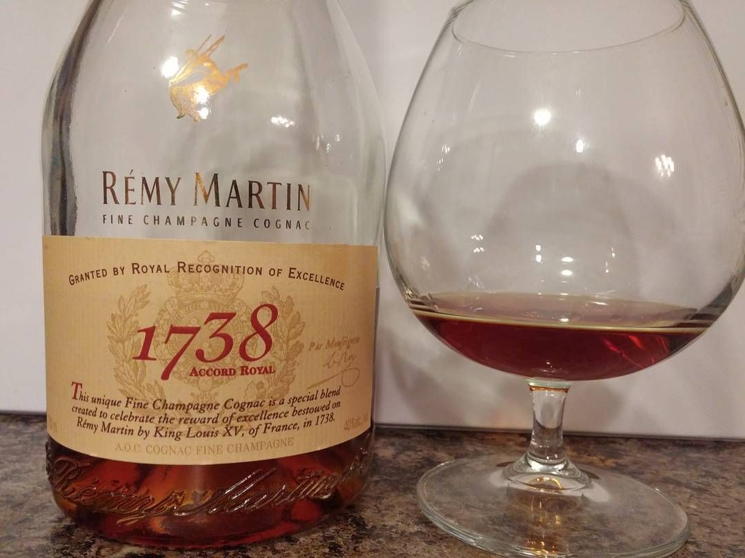 It might be cold and snowy outside but I can tell you it's warm and toasty in here!!!! #alcohol #cognac #finespirits #remymartin #1738 #digestive #digestivo #booze  #homemade #lunch #dinner #rustic #food #foodporn #instafood #foodie #buonappetito #picoftheday #eastmeals #tasty #yummy #healthy #instalike #followme #mediterranean #foodoftheday #foodlovers by rusticallycultured