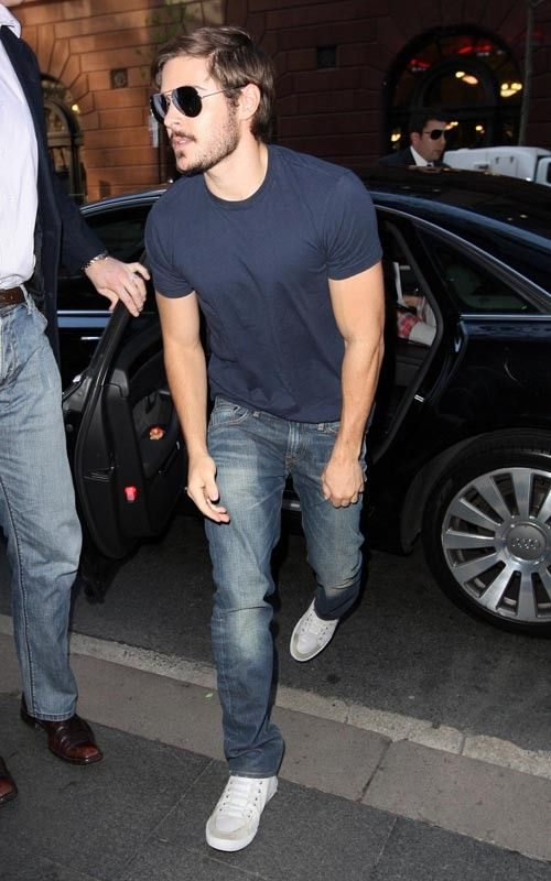 Zac Efron in Sydney, Australia hops out of an Audi (I only see him