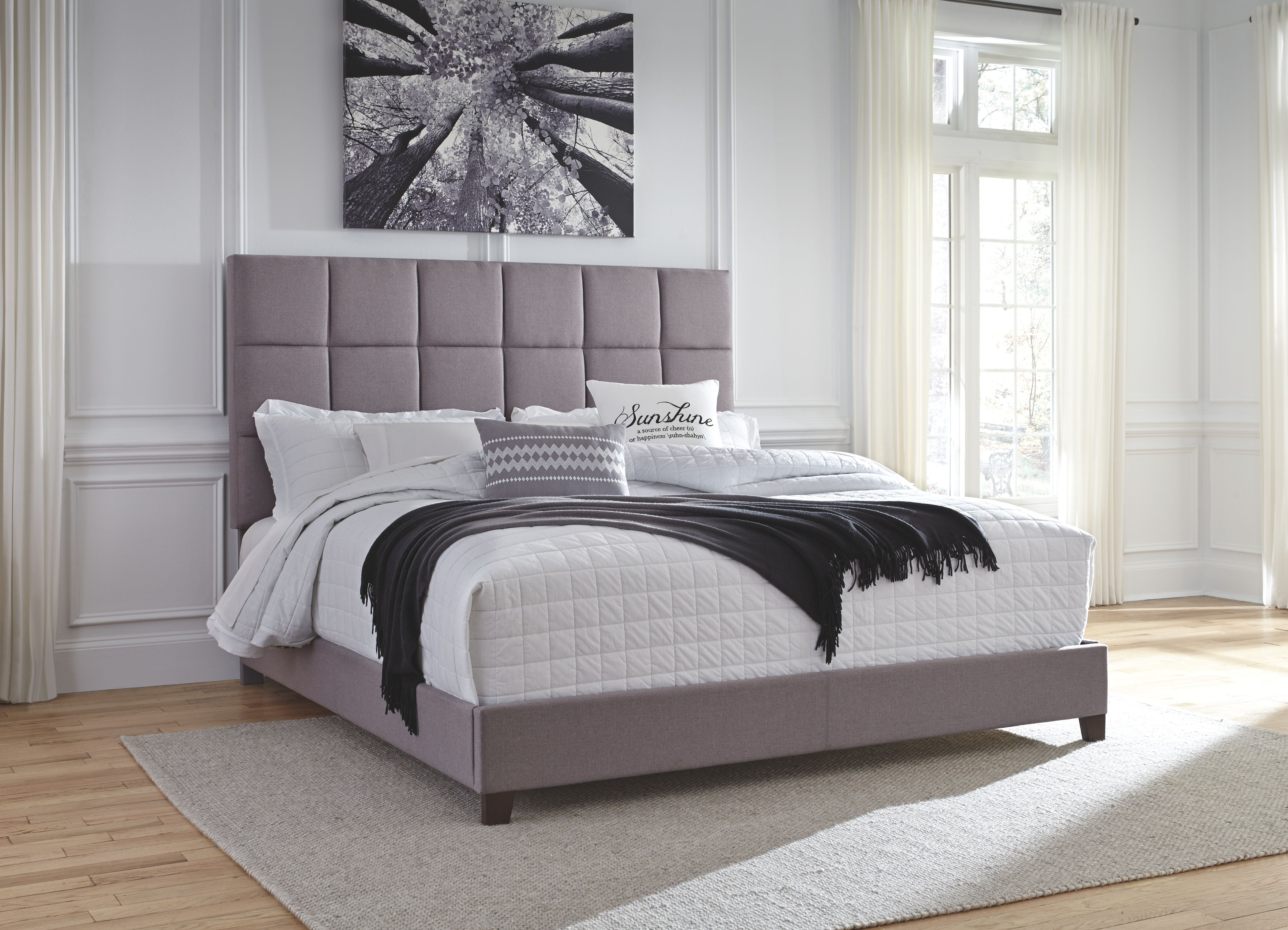 """Dolante King Upholstered Bed with 10"""" Hybrid Mattress in a"""