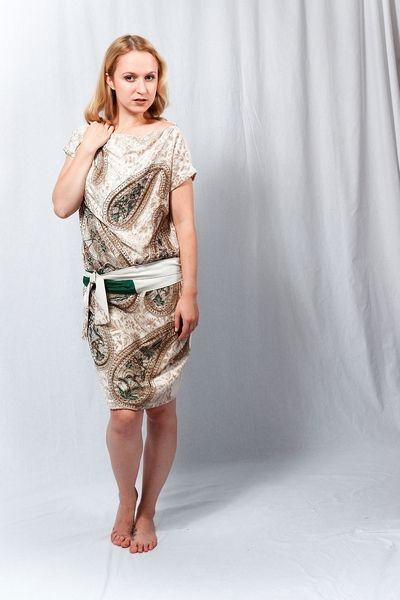 Cocktailkleid & Tunika Design: Julia Brusenzewa Model: Eva Rostock ...
