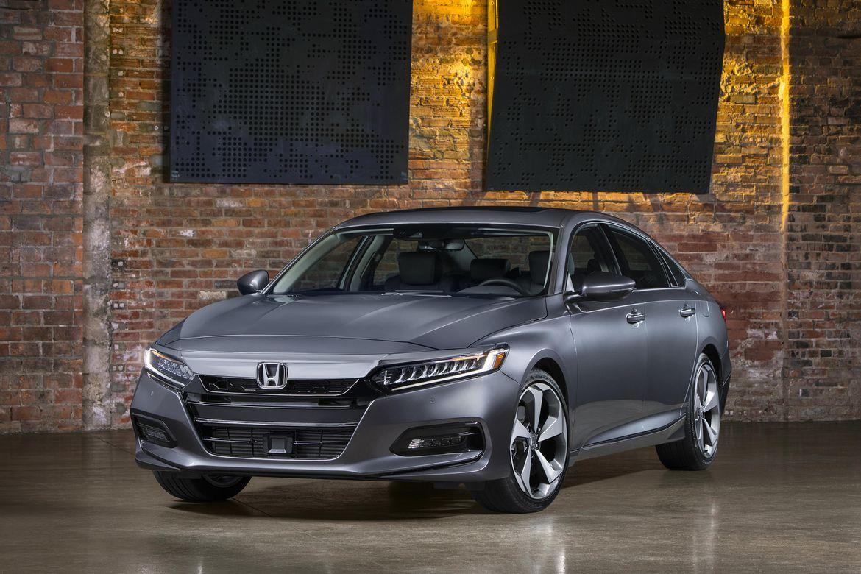 2017 Honda Accord Sedan Touring Versos New Car