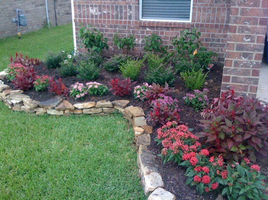 38 Lovely Flower Beds Design Ideas In Front Of House ...