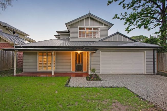 Weather board house with double garage for the home for Weatherboard garage designs