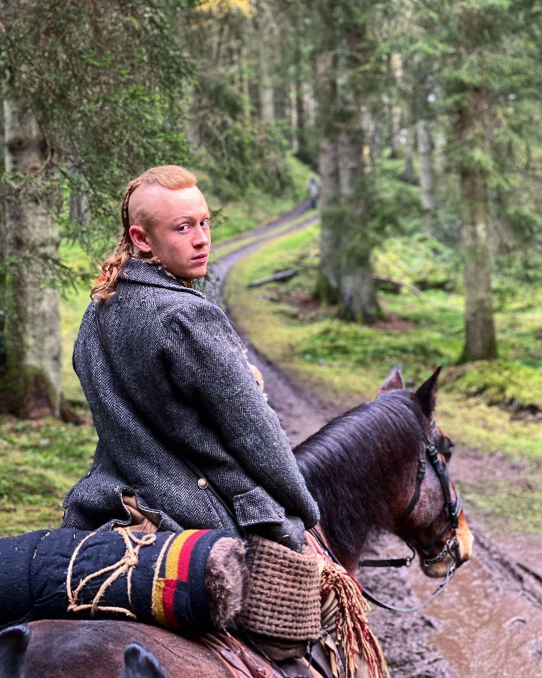 Pin on Outlander BOOK5 The FIERY CROSS
