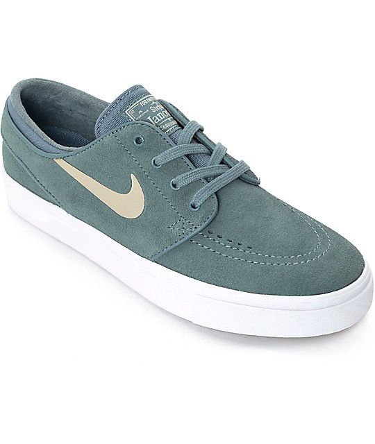 4760a8daaac6 Nike SB Stefan Janoski Hasta   Gold Womens Skate Shoes in 2019 ...