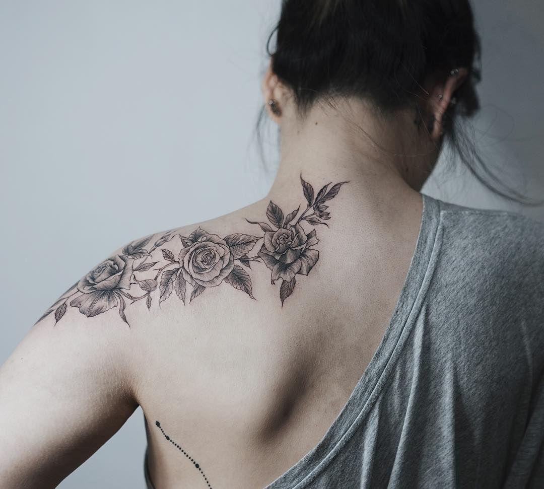 Rose . #tattoo#tattooist#tattooistsol#솔타투#lettering#soltattoo#color#colortattoo#꽃타투#flowertattoo#flower#linetattoo#equilattera #타투#솔타투#타투이스트솔 by soltattoo