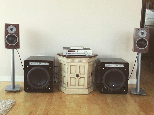 Nice setup!! DM us a picture of your set up so we can feature you too! #recordhaus #vinyl #audiophile #beatles #ledzeppelin #marantz #turntable #recordplayer #records #album #recordstore #vintage #recordjunkie #dustyfingers #vinylstorage #instavinyl #vinyljunkie #dreamcollection  #vinylcollectionpost