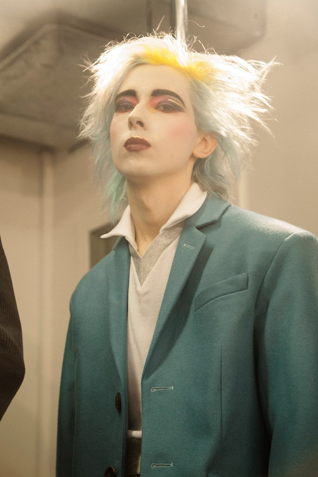 Man Charles Jeffrey Aw16 80s Punk Fashion Punk Makeup Androgynous Makeup