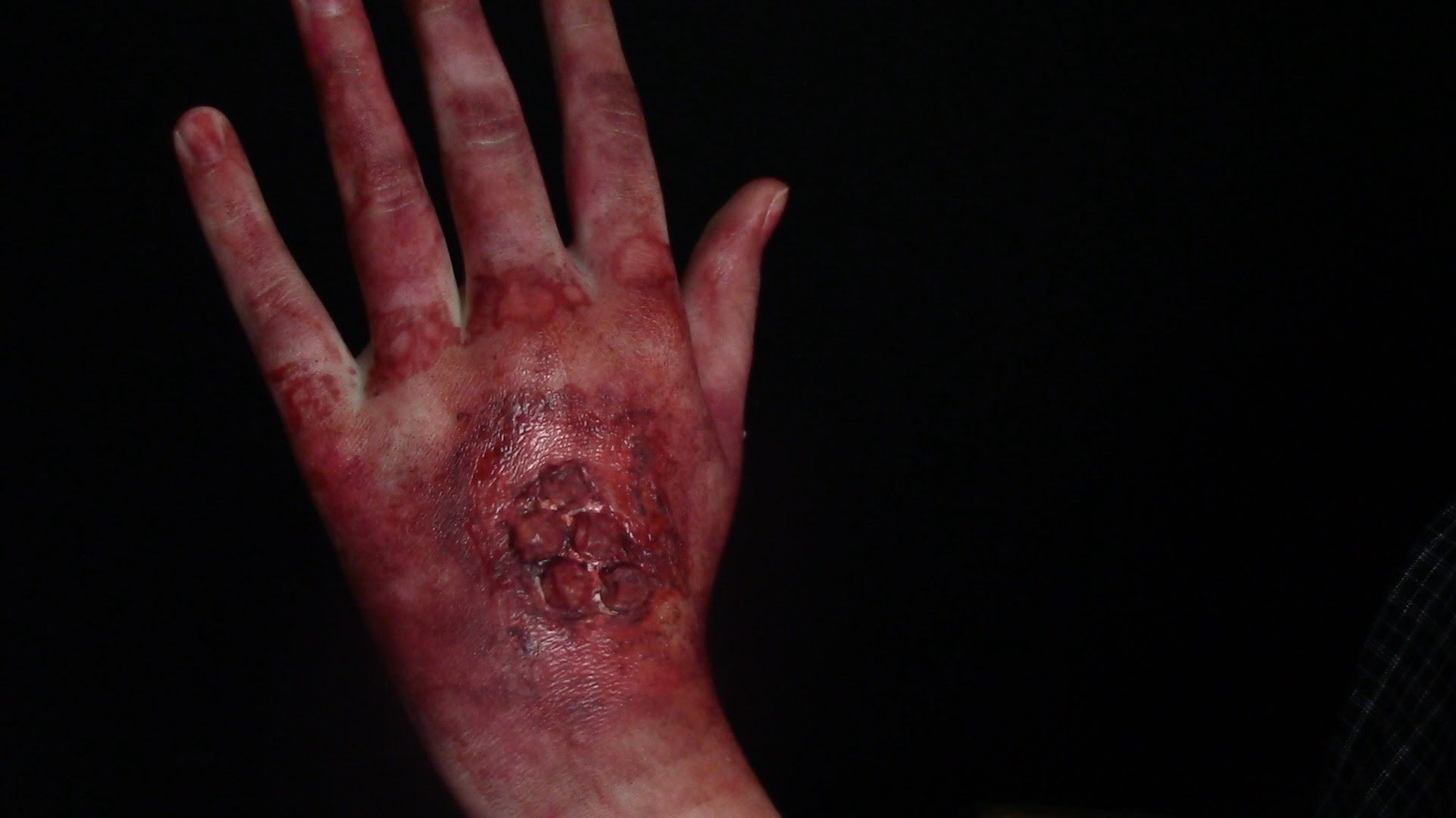 Diy infected blisters sfx tutorial using bubble wrap liquid latex diy infected blisters sfx tutorial using bubble wrap liquid latex fake blood and baditri Choice Image