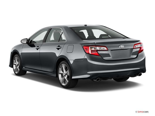 2014 Toyota Camry: Angular Rear