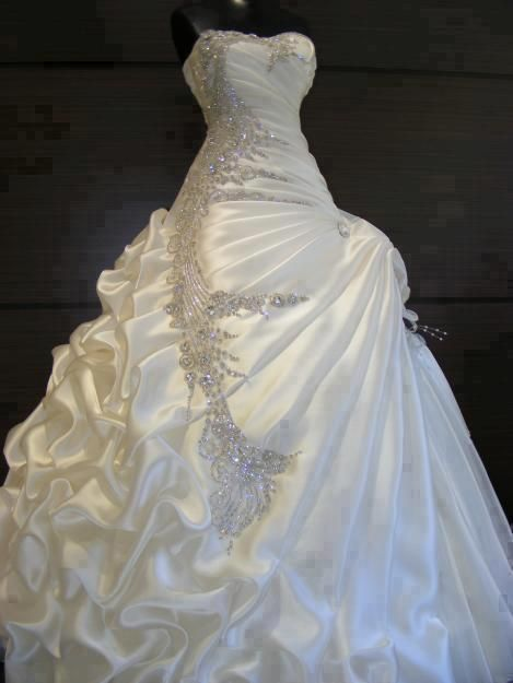 Exquisite Ball Gown Beading Wedding Dress Saty Svatebni Saty A Svatba