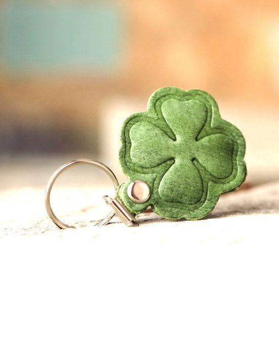 Clover keychain.  Irish leather keychain. For her. by secondstudio