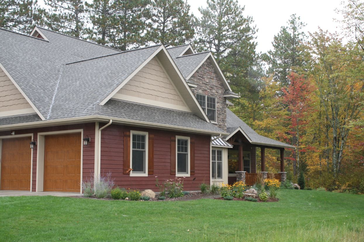Siding Color Is A Diamond Kote Custom Color Trim Color Is Diamond Kote Sand Shakes Color Is