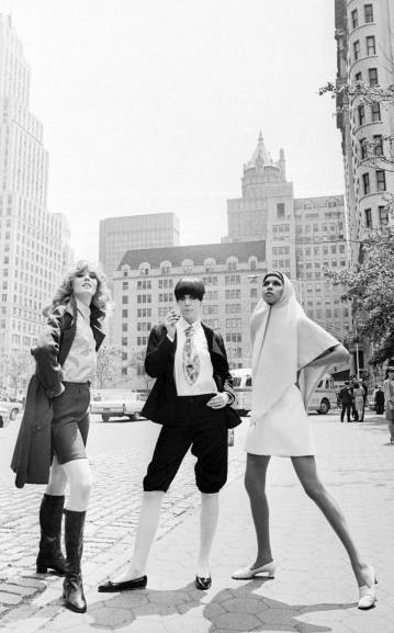 Colleen Osbourne, Peggy Moffitt & Sonia Pagin in New York 1967