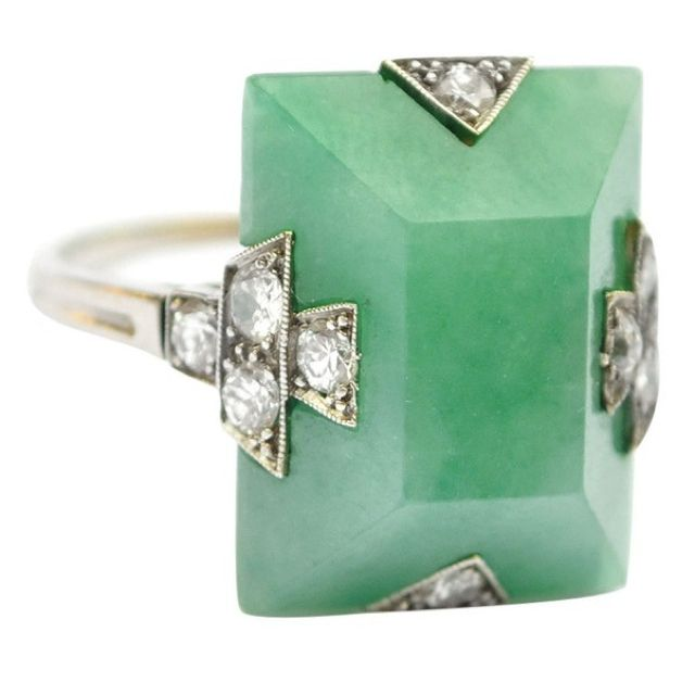 Love the natural tone of the Emerald