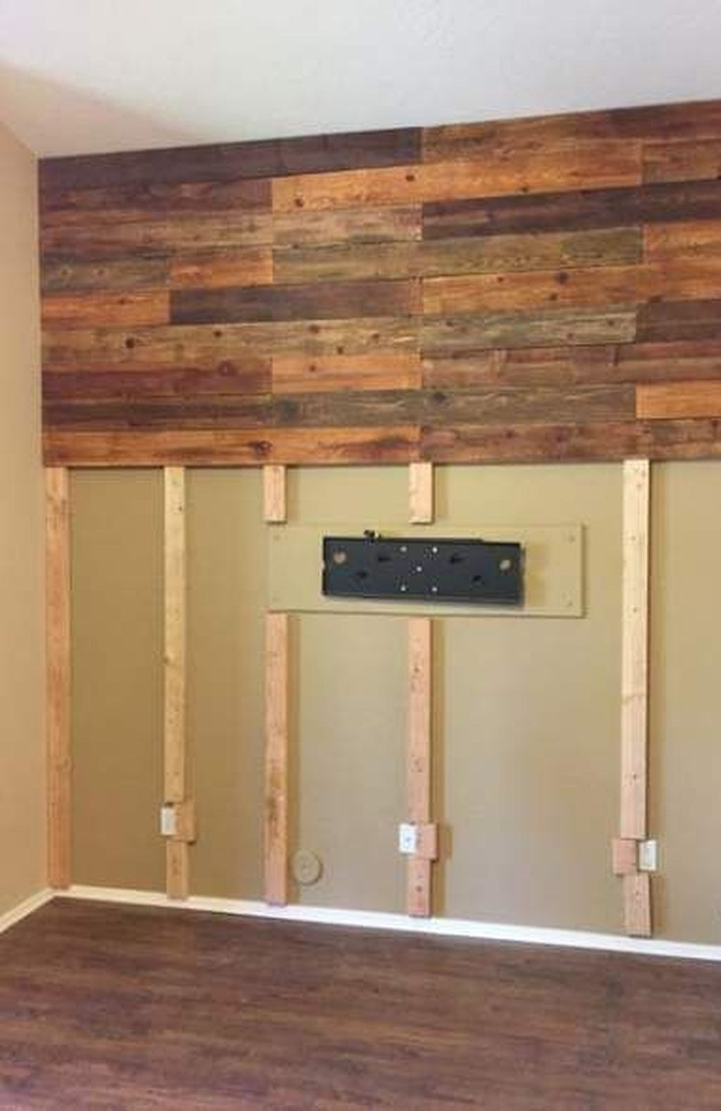 34 Modern Wood Wall Decorations Ideas For Elegant Home Interior