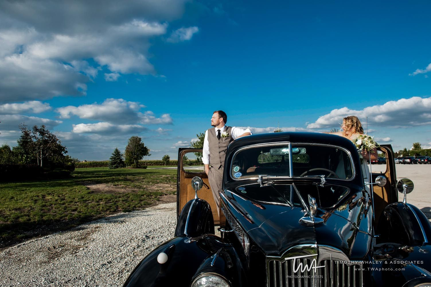 An antique car makes an awesome wedding day prop! | Happy Couples ...