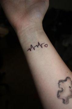 Tatuaje De Electrocardiograma Buscar Con Google Tattos Tatuaje