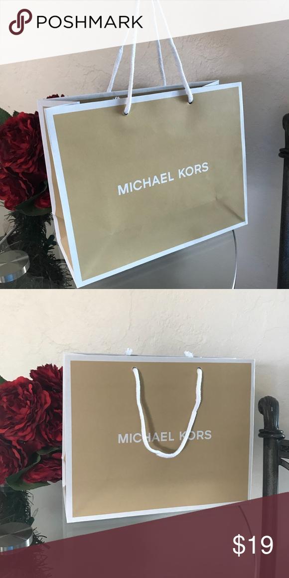 713a7f8d2a21 Michael Kors Small Paper Shopping Bag Brand New Michael Kors Small ...