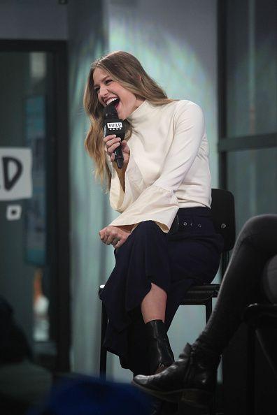 Melissa Benoist She S So Happy Melissa Supergirl Melissa Benoist Hot Melissa Benoist