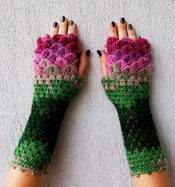 These Dragon Gloves With Crochet Scales Will Protect You When Winter ...