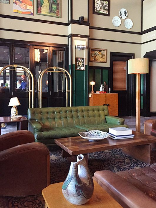 Nola S New Ace Rooms I Want To Be In Green Leather Sofa Vintage