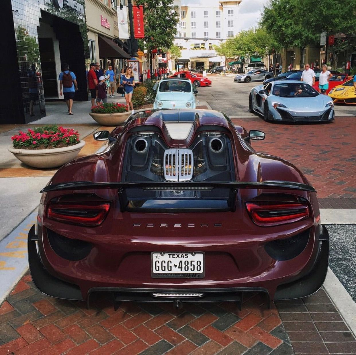Beau Porsche 918 Spyder Painted In Maroon W/ The Weissach Package Photo Taken  By: @