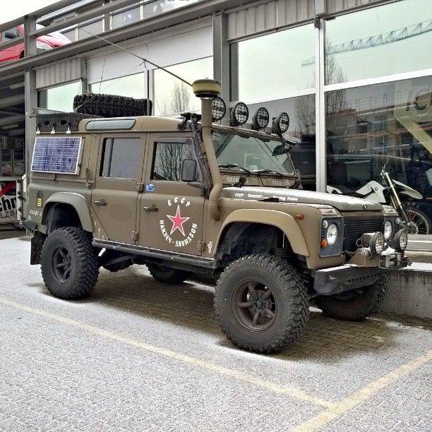 Land Rover Defender 110 Td5 Landroverdefender Td5: Land Rover Defender 110 Td5 Off Road Extreme. As Military